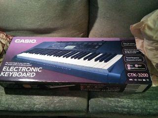 Teclado Casio CTK-3200