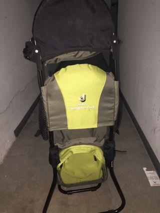 Mochila de montaña porta bebés deuter kid conford