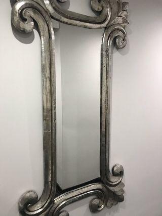 Espejo bañado en pan de plata
