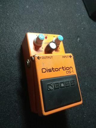 Pedal guitarra distorsión Boss DS-1