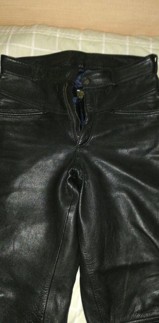 pantalón de piel auntentica