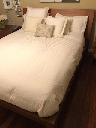 Cónjunto de dormitorio madera