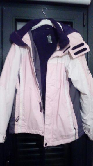 cazadora rosa palo,gris y blanca