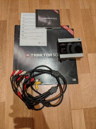 Traktor Scratch Duo con targeta sonido Audio 4 DJ
