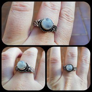 Espectacular anillo piedra Luna