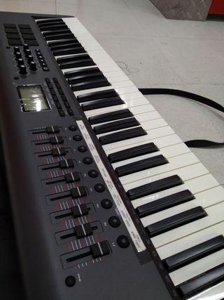 Teclado controlador M-Audio Axiom 61