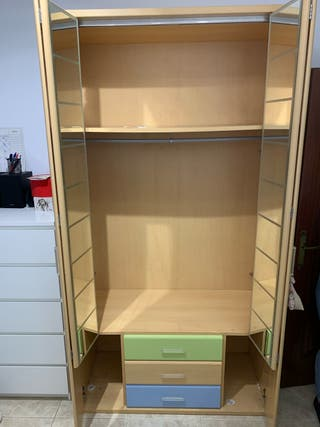 Vendo armario de madera juvenil