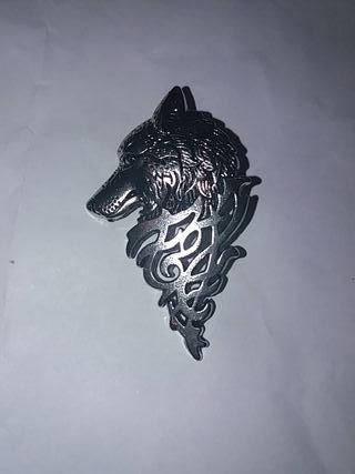 Pin grande Plateado Lobo
