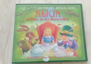 """libro pop Up """"Alicia al país de les maravelles"""""""