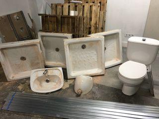 Platos de ducha y sanitarios ROCA