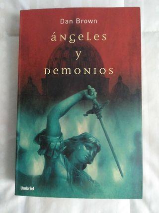 """Novela libro """"Ángeles y Demonios"""" de Dan Brown"""
