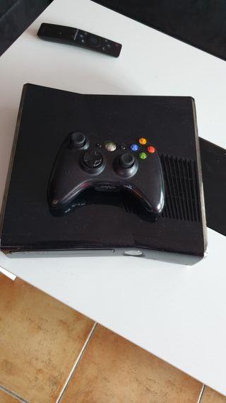 xbox 360 slim 250 gb+ Kinect 2 juegos