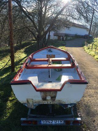 Barco / txalupa / txipironera / embarcacion