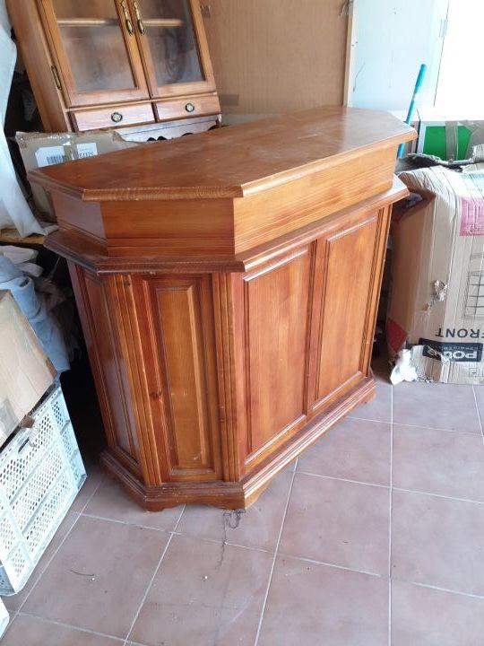 mini bar de madera de roble