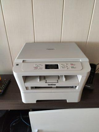 Impresora laser multifunción Brother 7055W