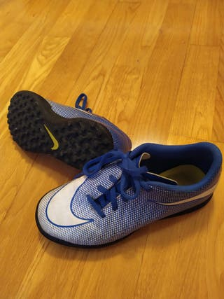 Zapatillas de fútbol multitacos Nike de segunda mano por 15
