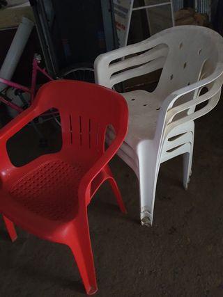 sillas de plástico buen estado