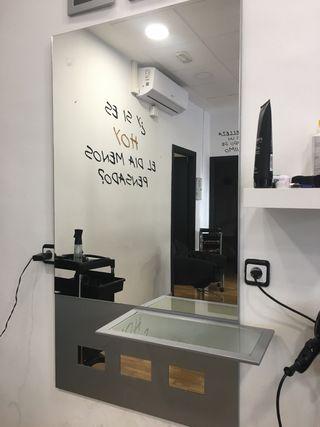 Tocador espejo peluquería