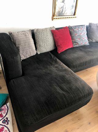 Sofá de Ikea negro en buen estado
