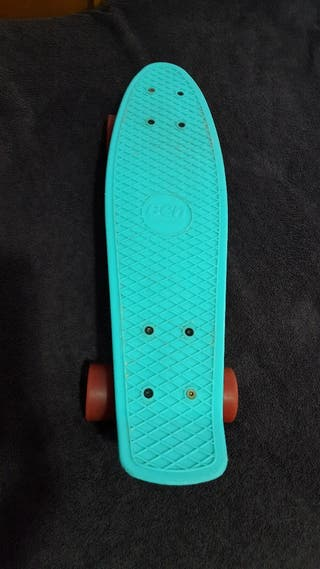 Monopatin BCN board cruiser.