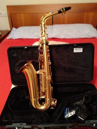 saxofon alto Yamaha 275