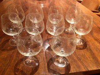 Cristalería completa (vino agua y coñac)