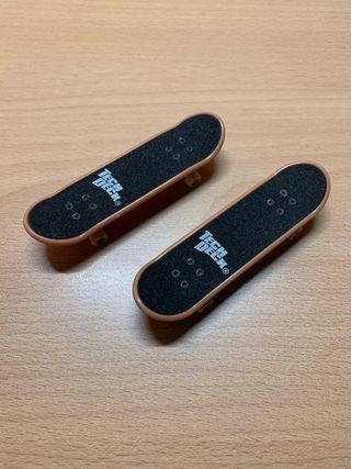 2 finger skate Tech Deck