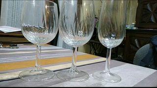 conjunto de 18 copas de agua, vino y champagne
