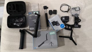 GoPro Hero 5 Black y accesorios