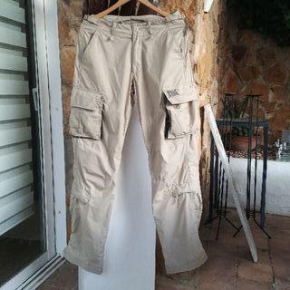 Pantalón de hombre estilo militar