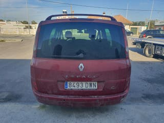se vende Renault space 7 plazas motor averiado buen estado papeles al dia no lo boy arreglar por comprar otro,tiene viela tocada