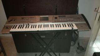 Teclado Roland Discovery 5