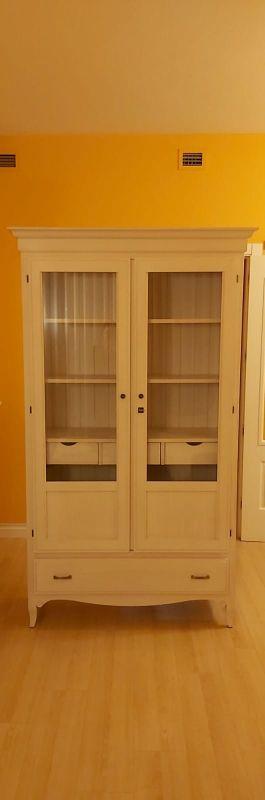 Mueble seminuevo madera de pino maziza blanca