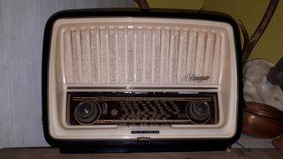 Radio Telefunken antigua.
