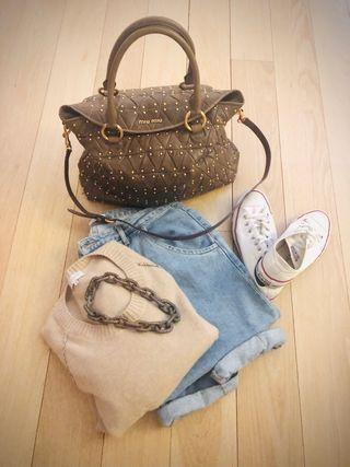 Bolso Shopping con tachuelas MIU MIU