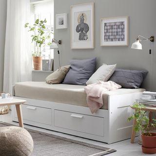 Cama Divan Ikea Brimnes+ 2 colchones