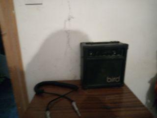 vendo amplificador + cable de guitarra