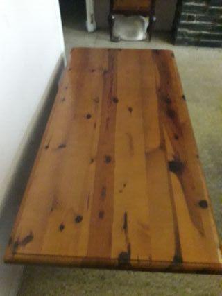 mesa auxiliar de madera noble