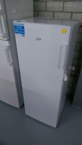 Congelador Beko Nuevo vertical + transporte