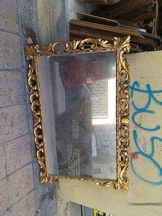 antiguo espejo de madera