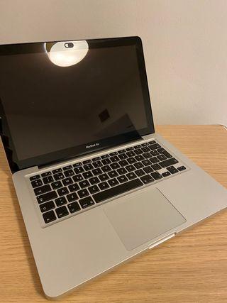 MacBook Pro 2012. 16GB RAM. I5 doble núcleo 2.4GHZ