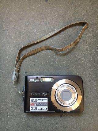 Nikon Coolpix Digicam marron