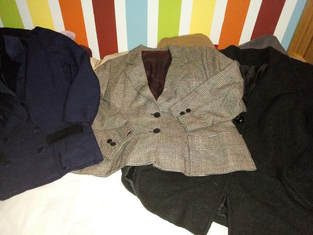 Lote ropa mujer . TODO 35€