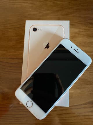Apple iPhone 8 color oro salmón