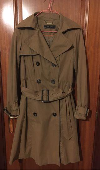 Trench/Gabardina Zara Woman talla XL
