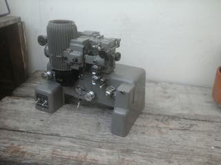 Proyector Bell and howell 16mm