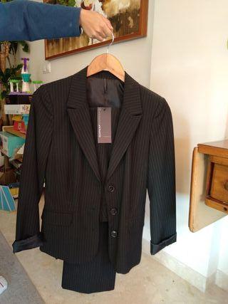 Traje de chaqueta y pantalón talla 36
