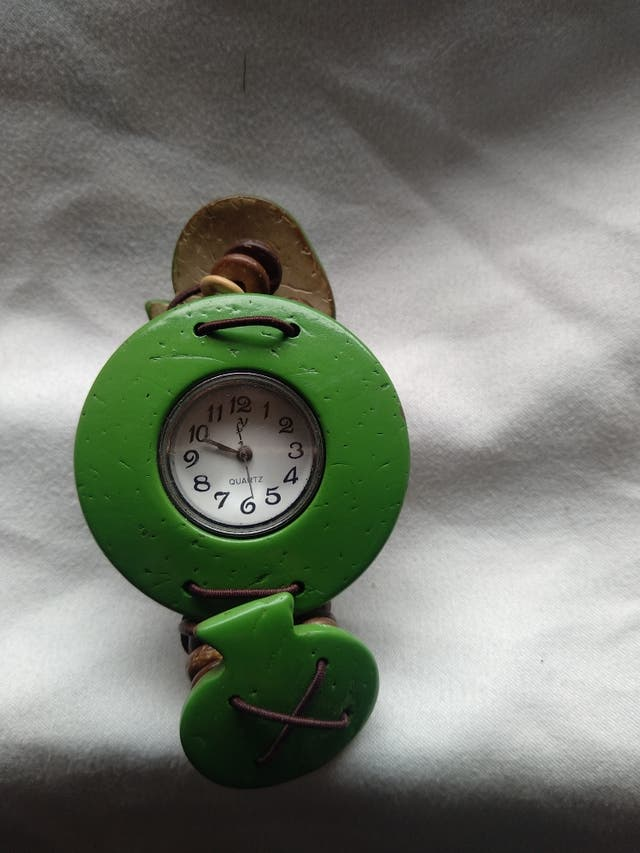 Reloj pulsera verde