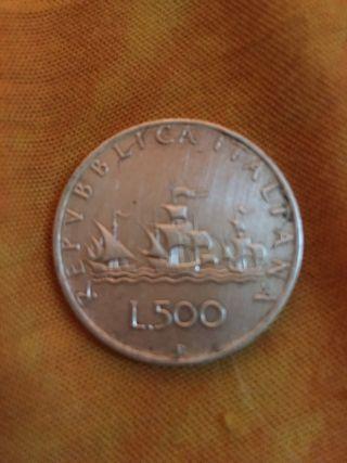500 liras italianas en un plata