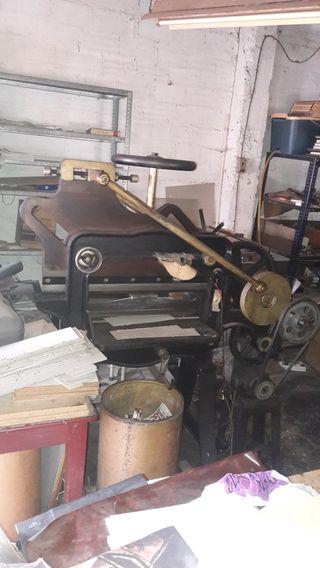 maquinaria antigua imprenta y encuadernación
